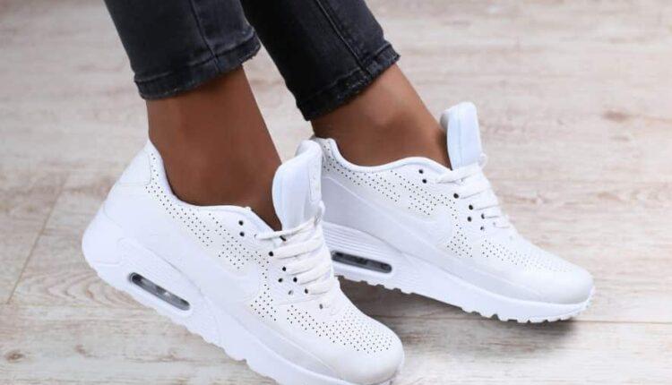 Четыре домашних способа почистить белые кроссовки